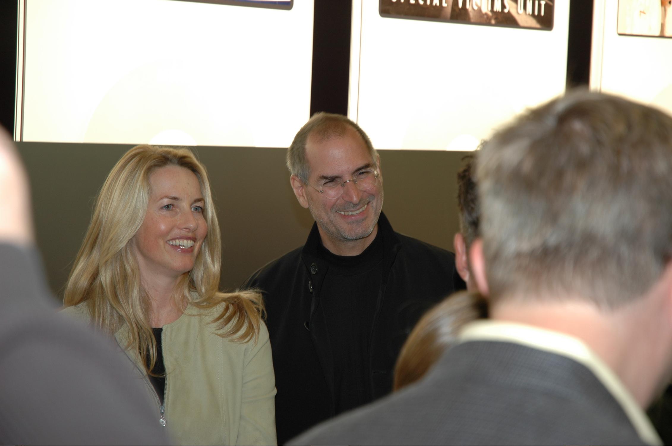 http://www.dennis-voss.de/apple/celeb/img/2.jpg